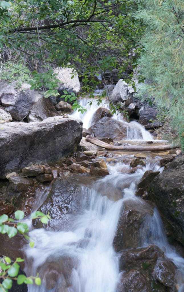 stream at hanging lake trail