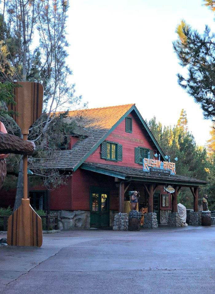 When looking for accommodations at Disneyland, the Grand Californian Resort and Spa is a great place to stay! Offering a private entrance to California Adventure (hello toddler naps!), an extra hour at either Disneyland or California Adventure, and rooms with gorgeous balcony views of the parks!