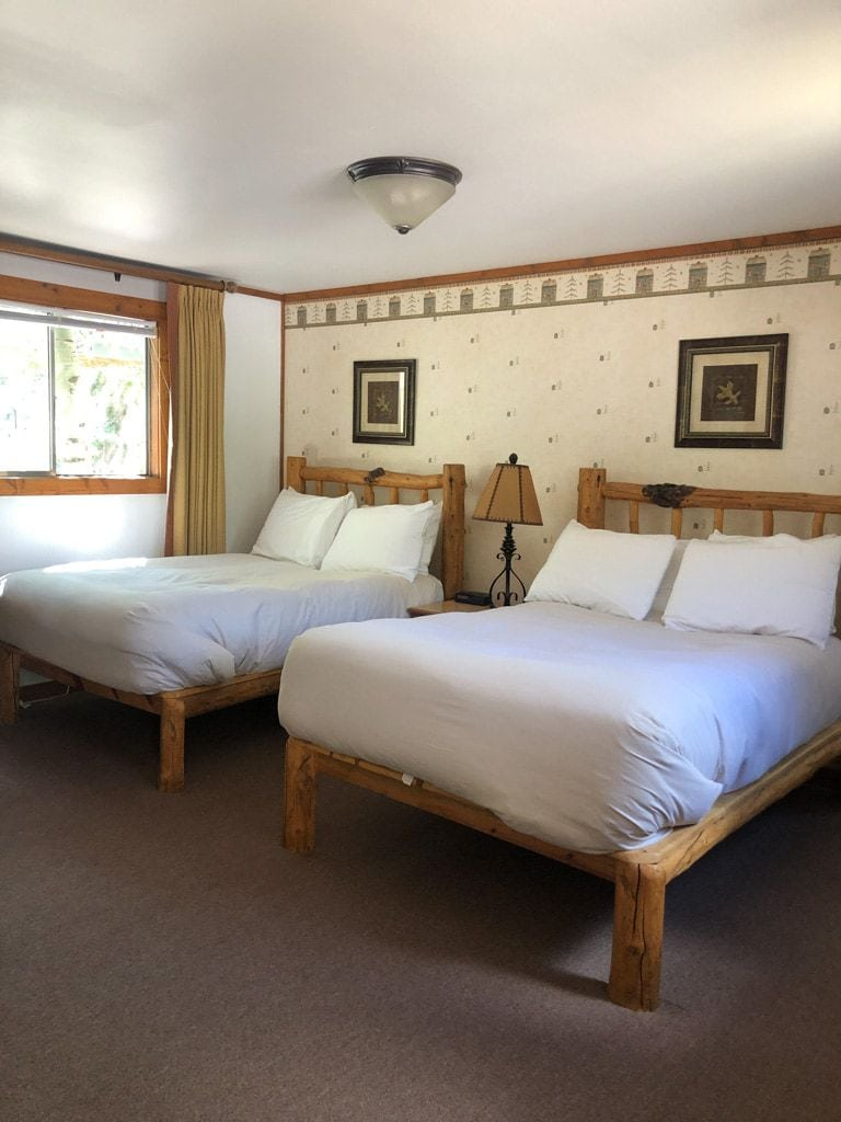 two double beds at redstone cliffs inn colorado