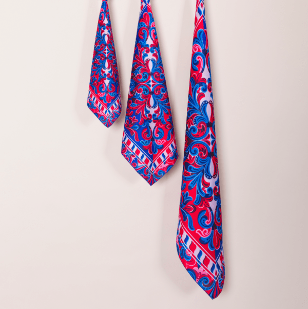 blue, white and red costa rican handkerchiefs in 3 sizes.