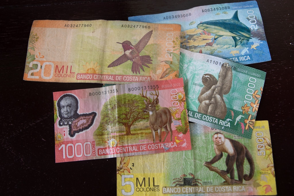 images of costa rican bill currency.
