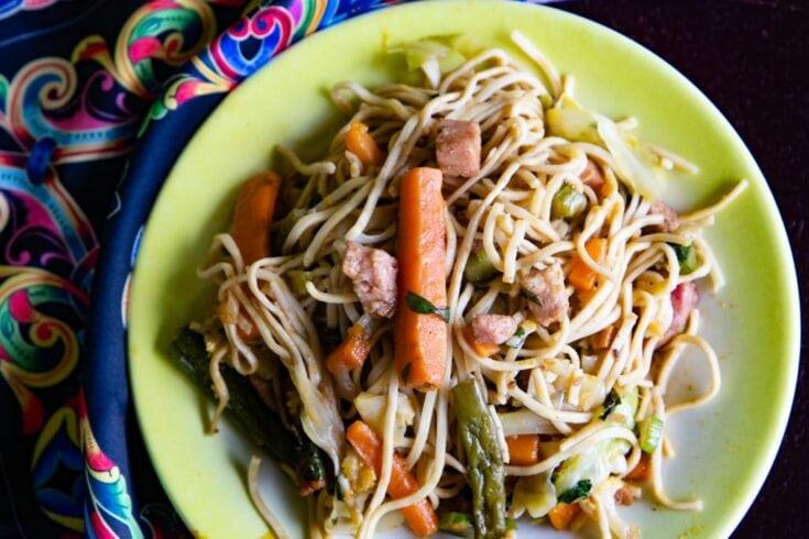Chope Suey Recipe Costa Rica in a green bowl